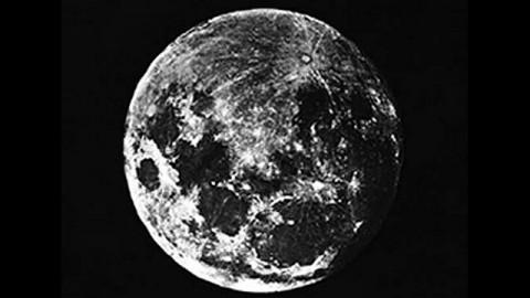 Первое фото Луны, 1910
