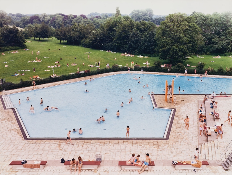 Gursky_A_RatingenSchwimmbad74f594 (1)